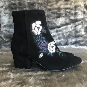 NWOT Steve Madden Brooker Embroidered Ankle Boots